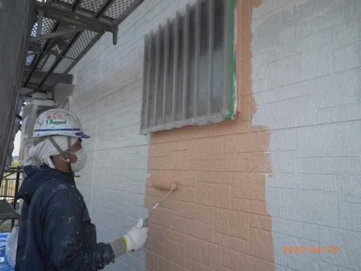 外壁・下塗り中