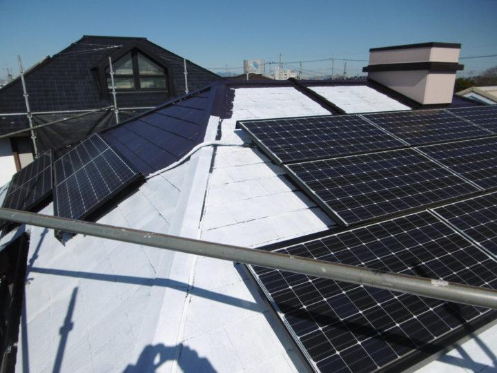 屋根遮熱塗装:下塗り